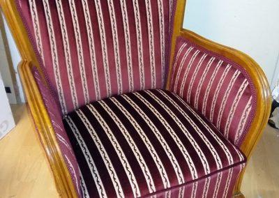 Bordó csíkos fotel