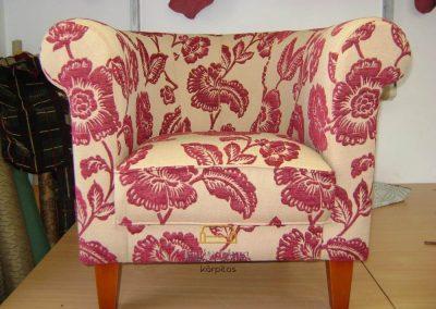Piros mintás fotel