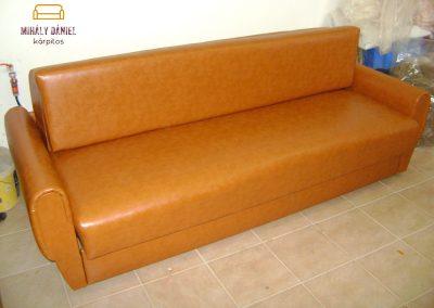 Barna bőr retro kanapé